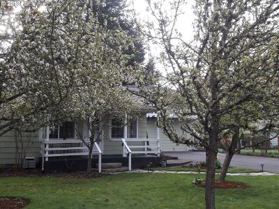 Eugene Single Family Home For Sale: 1347 Dalton Dr