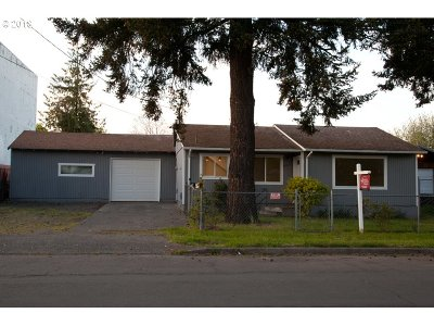 Portland Single Family Home For Sale: 8227 NE Hancock St