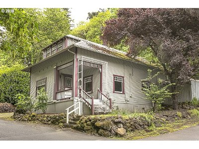 Oregon City Single Family Home For Sale: 216 3rd Ave
