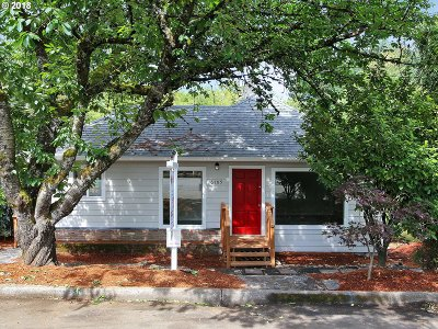 Portland Single Family Home For Sale: 6105 SW 32nd Ave