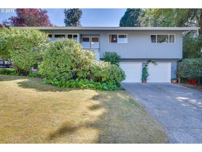 Lake Oswego Single Family Home For Sale: 1698 Aspen St