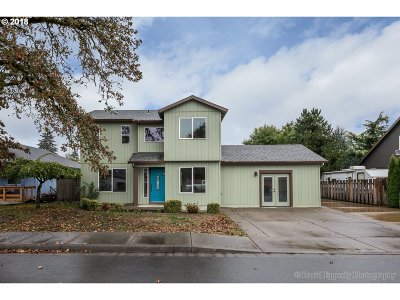 Scappoose Single Family Home For Sale: 52800 NE 2nd St