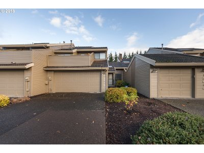 Beaverton Single Family Home For Sale: 12619 SW Barberry Dr