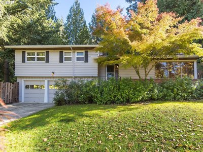 Portland Single Family Home For Sale: 3280 SW 66th Ave