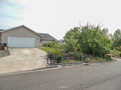 Roseburg Single Family Home For Sale: 351 Monte Dr