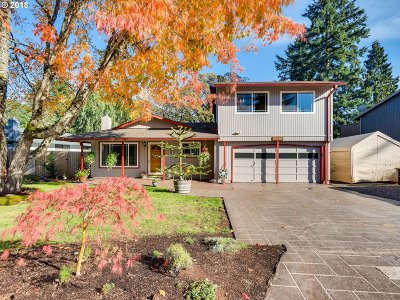 Clackamas County Single Family Home For Sale: 11445 Finnegans Way