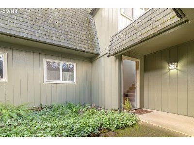 Eugene Condo/Townhouse For Sale: 1500 Norkenzie Rd #72