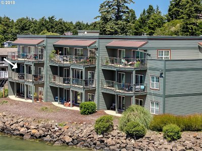 Florence Condo/Townhouse Pending: 1220 Bay St #201