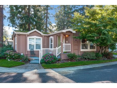 Portland Single Family Home For Sale: 13244 SE Reedway Pl #10