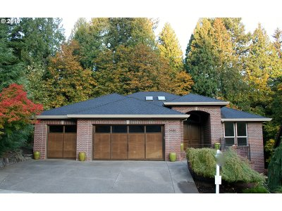 Gresham Single Family Home For Sale: 2861 SE Elliott Dr
