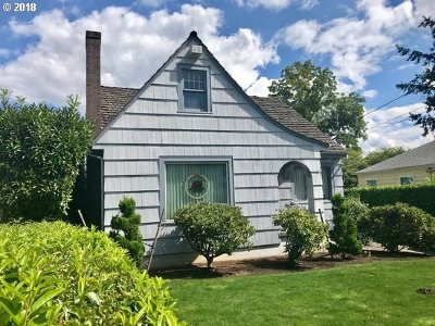 Portland Single Family Home For Sale: 834 SE 72nd Ave