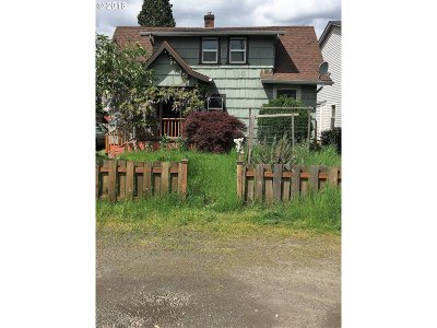 Portland Single Family Home For Sale: 5233 SE Rural St
