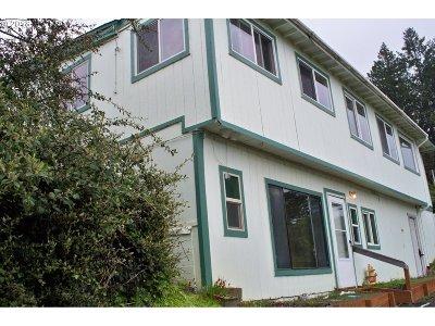 Brookings Single Family Home For Sale: 98165 Daina Ln