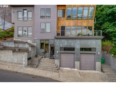 Johns Landing, Johns Landing & Fulton Park, South Waterfront Single Family Home For Sale: 6515 SW Corbett Ave