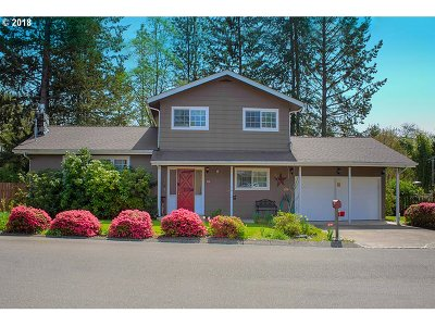 Roseburg Single Family Home For Sale: 1192 NW Cherry Dr