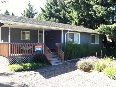 Single Family Home For Sale: 25930 David Ave