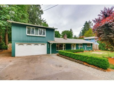 Lake Oswego Single Family Home For Sale: 5540 McEwan Rd