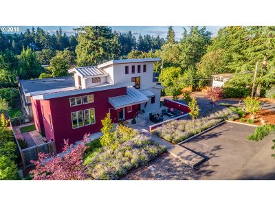 Lake Oswego Single Family Home For Sale: 903 Ash St