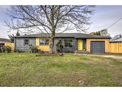 Multnomah County Single Family Home For Sale: 5017 SE 106th Ave