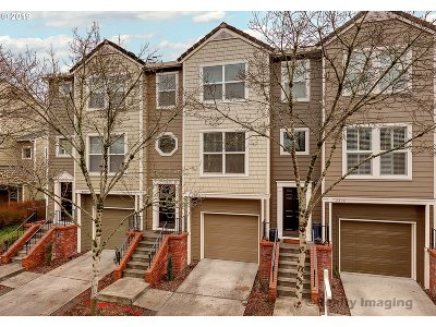 Northwest Heights, Pearl, Old Town, Arlington Heights, Sylvan Highlands, Sylvan, Highlands, Forest Heights Condo/Townhouse For Sale: 2648 NW Kennedy Ct