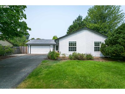 Aloha Single Family Home For Sale: 20455 SW Clarion St