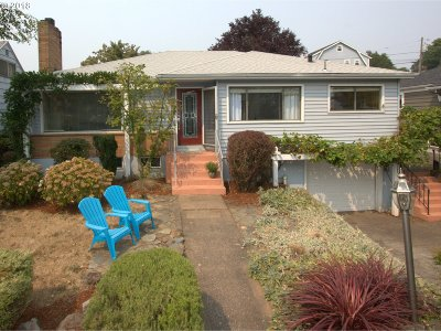 Portland Single Family Home For Sale: 4107 SE Henderson St