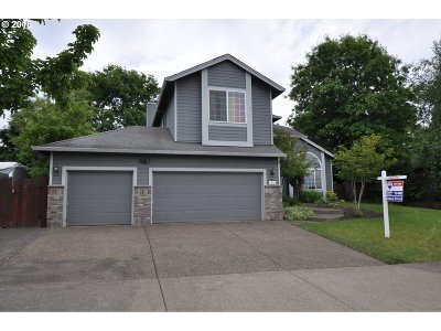 Troutdale Single Family Home For Sale: 1556 SW Northstar Loop