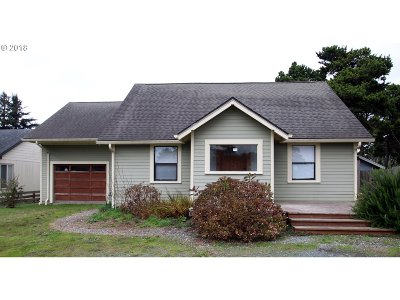 Bandon Single Family Home For Sale: 140 13th St