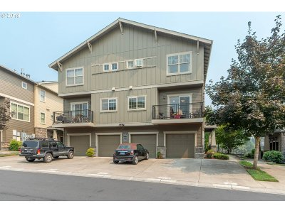 Beaverton Condo/Townhouse For Sale: 654 NW Adwick Dr
