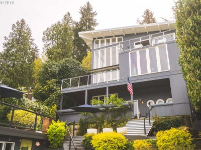 Lake Oswego Single Family Home For Sale: 1551 Lake Front Rd
