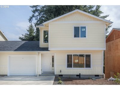 Lincoln City Single Family Home For Sale: 2270 NE Surf Ave