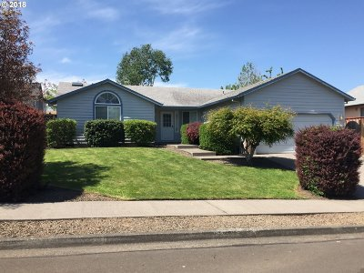 Troutdale Single Family Home For Sale: 2837 SE Chandler Ave