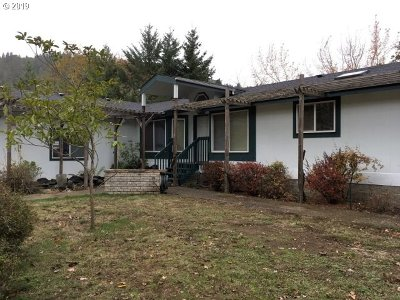 Roseburg Single Family Home For Sale: 180 J R Ln