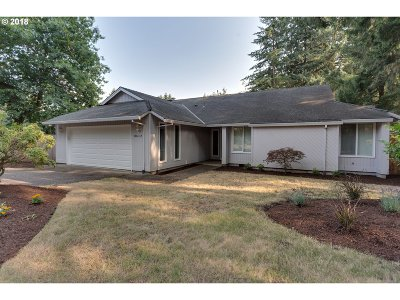 Tualatin Single Family Home For Sale: 8612 SW Iroquois Dr