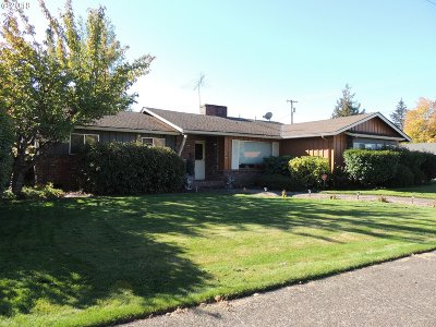 McMinnville Single Family Home For Sale: 240 NW Baker Creek Rd