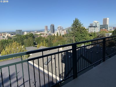 Portland Condo/Townhouse For Sale: 1815 SW 16th Ave #303