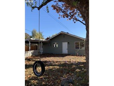 Multnomah County, Washington County, Clackamas County Single Family Home For Sale: 5150 SW Lombard Ave