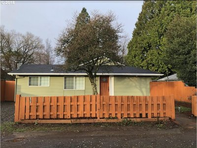 Clackamas County, Multnomah County, Washington County Multi Family Home For Sale: 2203 SE 85th Ave