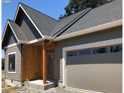 Eugene Single Family Home For Sale: 32529 Hatfield St