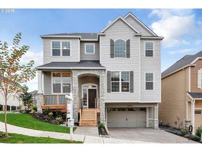 Portland Single Family Home For Sale: 16924 NW Catalpa St