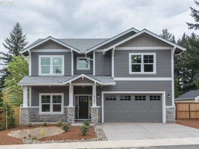 Portland Single Family Home For Sale: 10381 SW 75th Ave