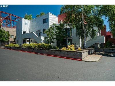 Portland Condo/Townhouse For Sale: 1010 NW Naito Pkwy #M18