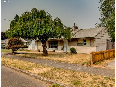 Portland Single Family Home For Sale: 10919 NE Thompson St