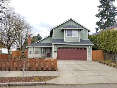 Multnomah County, Washington County, Clackamas County Single Family Home For Sale: 4141 SE 70th Ave