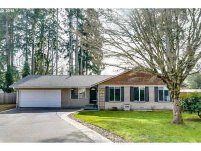 Milwaukie, Clackamas, Happy Valley Single Family Home For Sale: 1800 SE River Glen Ct