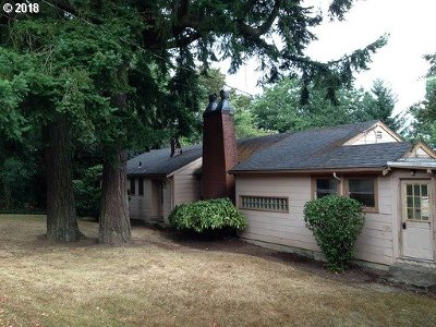 Lake Oswego Single Family Home For Sale: 1565 Pine St