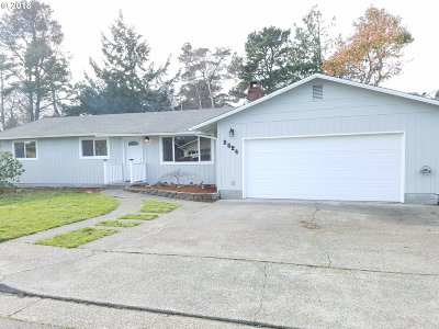 North Bend Single Family Home For Sale: 2524 Fir St