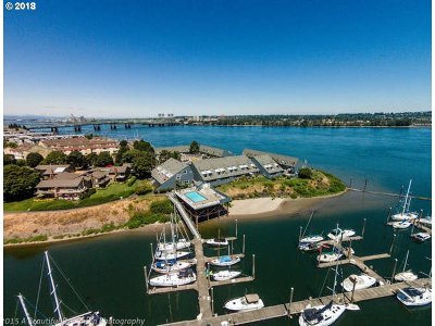 Portland Condo/Townhouse For Sale: 196 N Hayden Bay Dr #BldgA