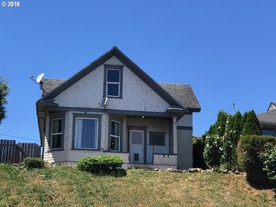 Coos Bay Single Family Home For Sale: 745 S 4th