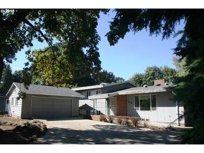 Oregon City Single Family Home For Sale: 139 Barker Ave